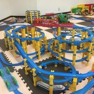 電車おもちゃがたっくさん!!貸切もできるキッズスペース「あそびラボ」