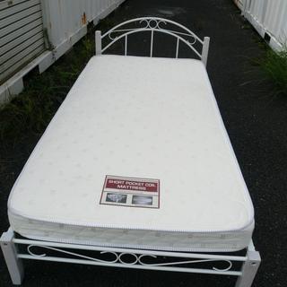 美品 シングルベッド ニトリ