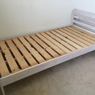 シングルベッド コンセント2口付き