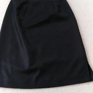 黒スカート64cm