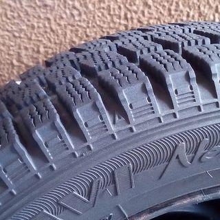 スタッドレスタイヤ4本セット サイズ155/65R13 中古