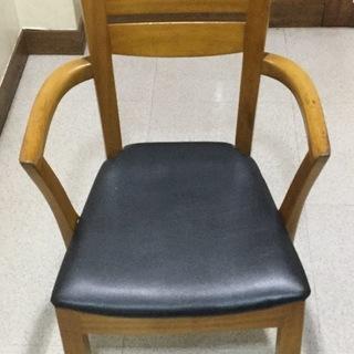 木製食卓椅子