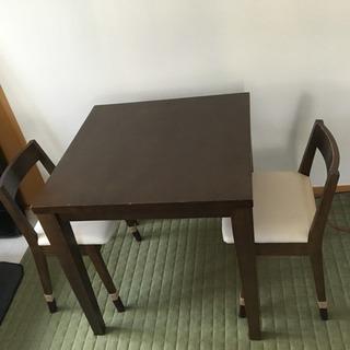 【商談中】中古 正方形のテーブル