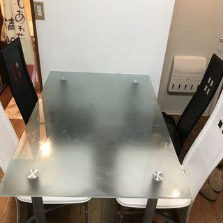 ダイニングテーブル(椅子4脚付)