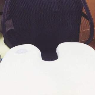 ★値段下げ★  ☆美品☆ 低反発座布団   +   腰枕 背もたれ...