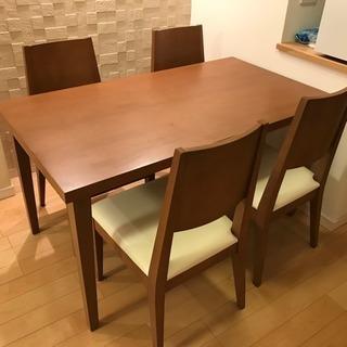 木製ダイニングテーブル&チェア4脚セット