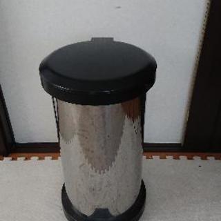 消臭ゴミ箱