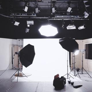 モデル、カメラマン、歌手など芸能関係の友達募集。