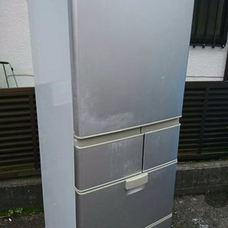 SHARP415リットル大型ノンフロン冷凍冷蔵庫です 2009年式...