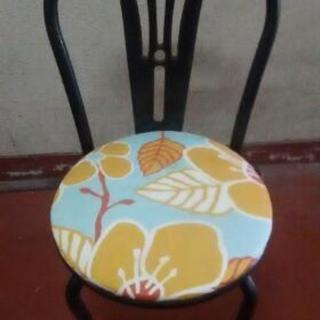 ダイニング用の椅子