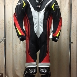 レーシングスーツ、プロテクター