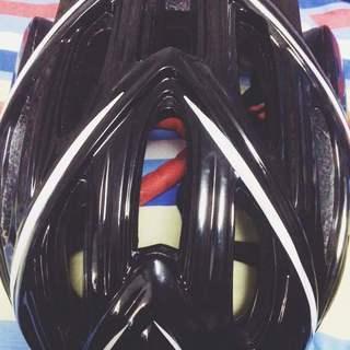 ★美品★  自転車ヘルメット サイクリング 超軽量 高強度 蒸れ防...