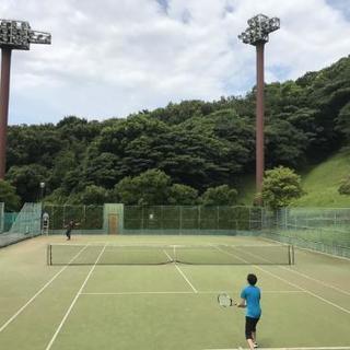 テニスサークルのメンバーを募集中‼