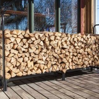 今年使える薪を探しています。
