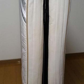 【USED】パイプ製:折りたたみ(二つ折り)シングルベッド(マット...