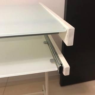 ガラステーブル(美品) - 家具