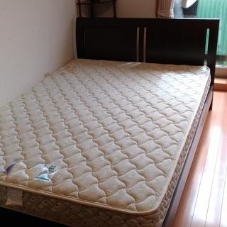 ダブルベッドです