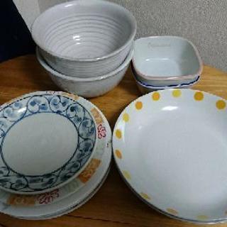 【引取期間10月26~29日まで】家電、お皿、ベッドなど買い取り引...