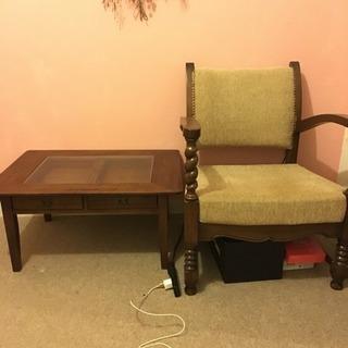 イギリス製アンティーク:椅子とテーブル