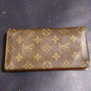 ルイヴィトンの財布売ります。