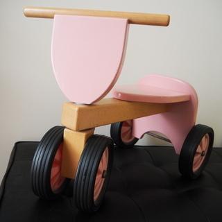 希少 ベビーピンク 四輪車 木製 New Classic Toys
