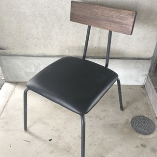 アウトレット 『 ウッドの背凭れの椅子 』