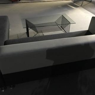 ソファーとテーブルセット