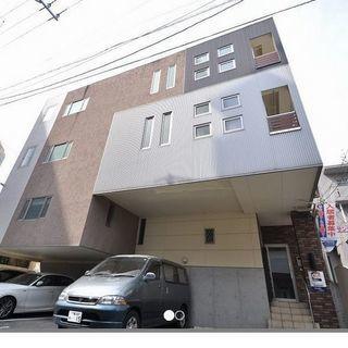 人気の六本松駅 徒歩 5分 近所にスタバ、六本松 蔦屋書店あり