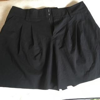 黒ショートパンツ