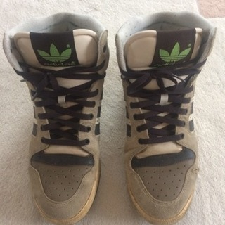 アディダスの靴①