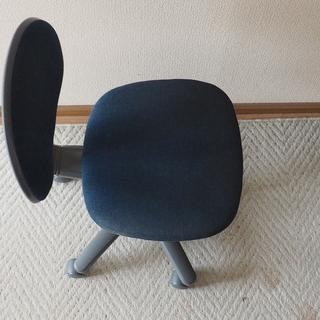 パソコンデスク用の椅子(無料)