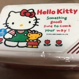キティちゃんの弁当箱ケース