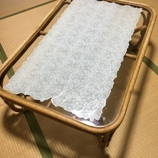 ラタンガラステーブル