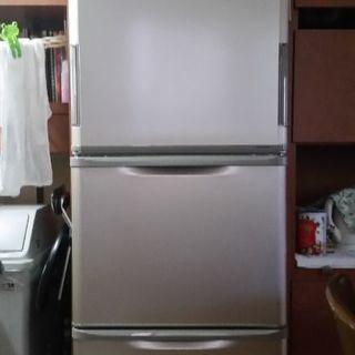 3年使用。350㍑。冷蔵庫!
