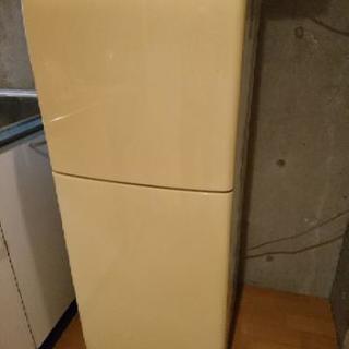 冷蔵庫 取りに来ていただける方に差し上げます