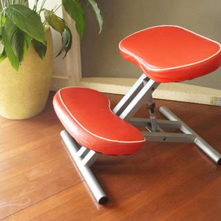 姿勢を正す バランスチェア 赤 学習机に 座ることが多い人に 他と...