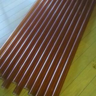 蛍光灯のオレンジ色カバー(12本あります)