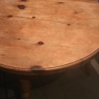 アンティークテーブルです