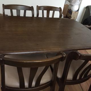 10/末まで!欲しい方あげます! ダイニングセット(テーブル+椅子4脚)