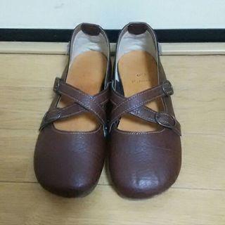 ナチュラル系 ストラップ靴