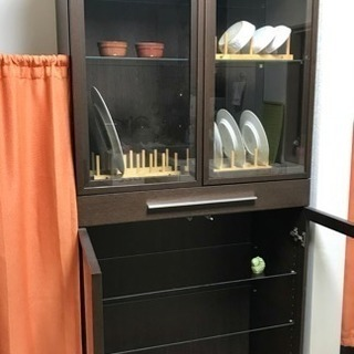 機能性抜群、IKEA食器棚