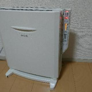 TOYOTOMI電気ストーブEPH-121(W) 遠赤外線パネ...