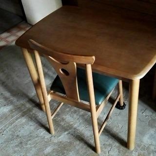 テーブル椅子セット差し上げます。