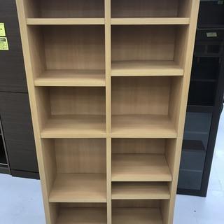 取りに来て頂ける方限定!棚が変えられるハイタイプ本棚のご紹介です!