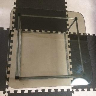 センターテーブル(ガラス製)