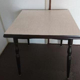 ダイニングテーブル(2人用)