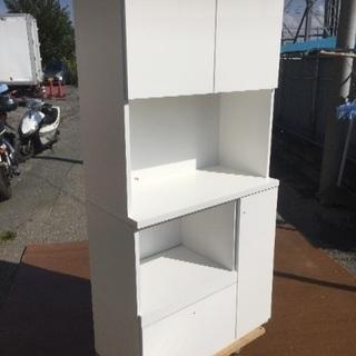 180㎝×90㎝の真っ白美品✨食器棚✨配送しますよー🚛💨