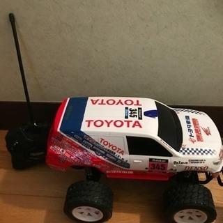 ラジコン トヨタランドクルーザー200 ダカール・ラリー優勝車両