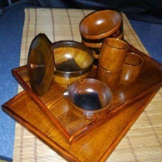 漆塗の木製食器類