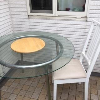 IKEAダイニングテーブル、椅子4脚の5点セット